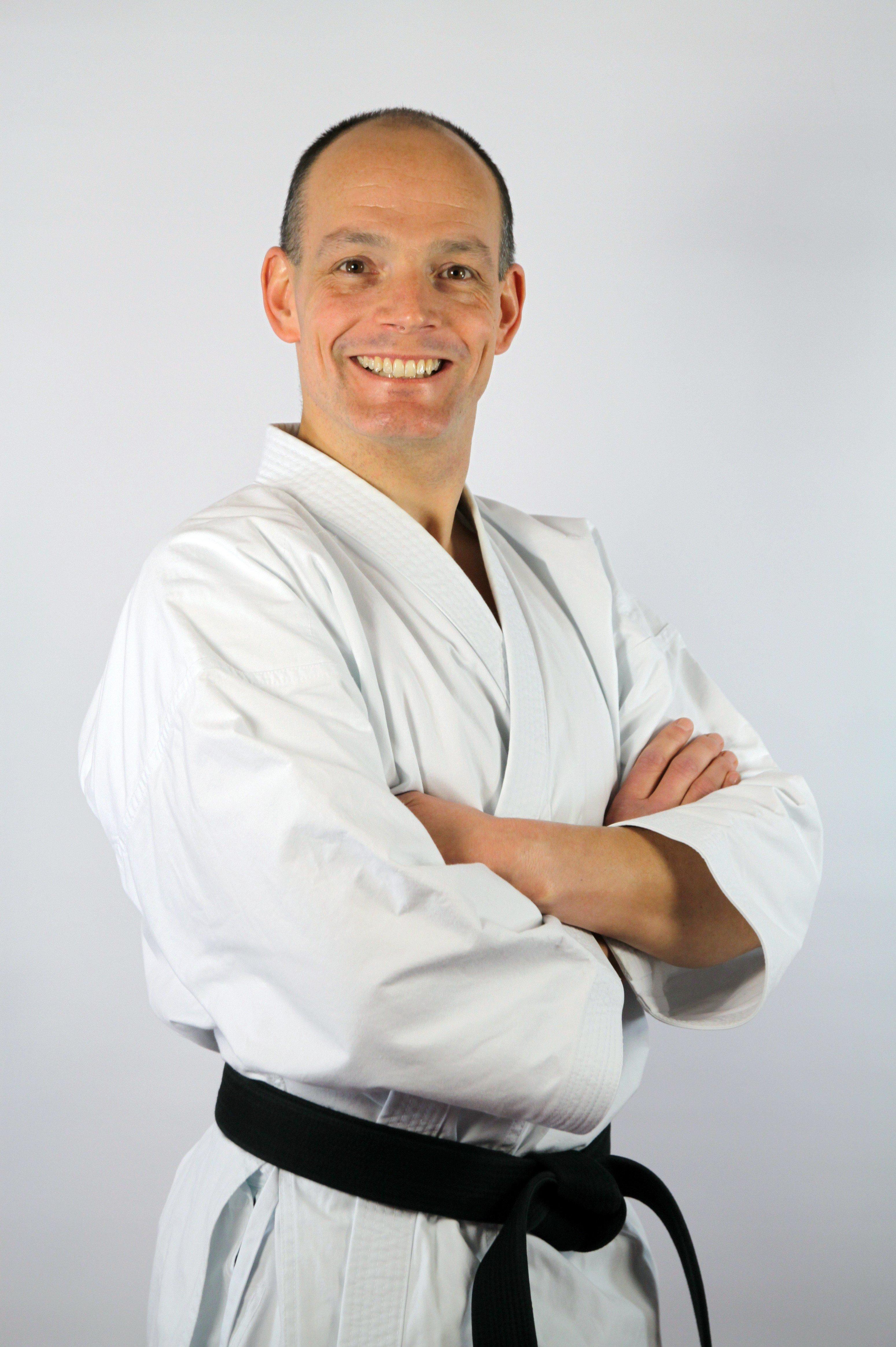 Dr. Jens Bussweiler